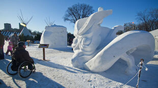 Bizony i wilki powstaną z 200 ciężarówek sztucznego śniegu