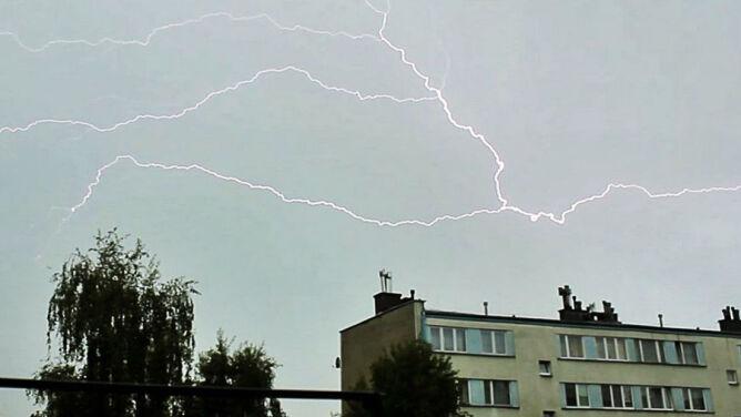 Chmury burzowe nad Polską