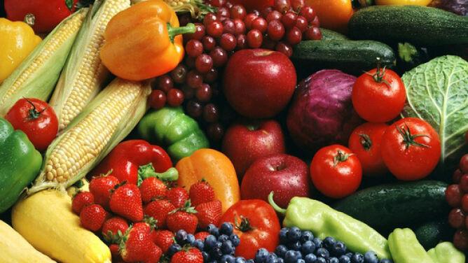 Owoce kontra warzywa. Co doceni nasz organizm